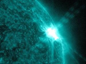 440px-Sun_Spots_and_Solar_Flares