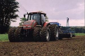 valtra-revolution-tractor-concept